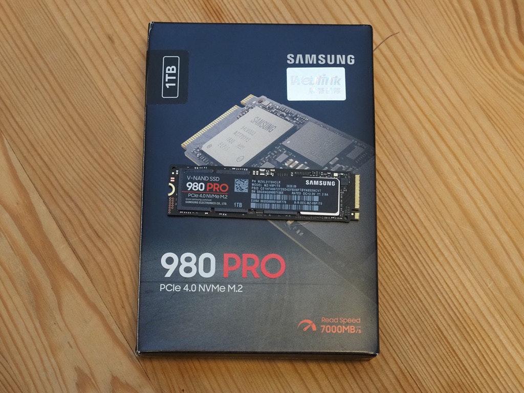 照片中提到了SAMSUNG、Aetliik、SAMSUNG,跟專業電視有關,包含了mz v8p1t0bw、三星980 PRO SSD、固態硬盤、三星960 PRO SSD、500 GB