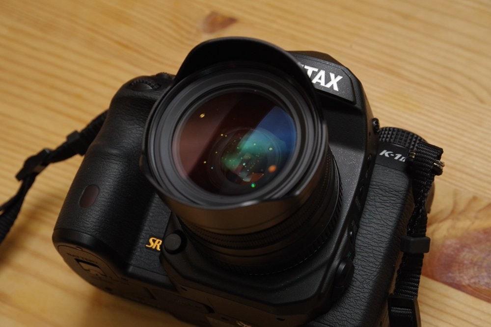照片中提到了TAX、K-11、SR,跟AVX公司有關,包含了數碼單反、數碼單反、魚眼鏡頭、單反相機、鏡頭
