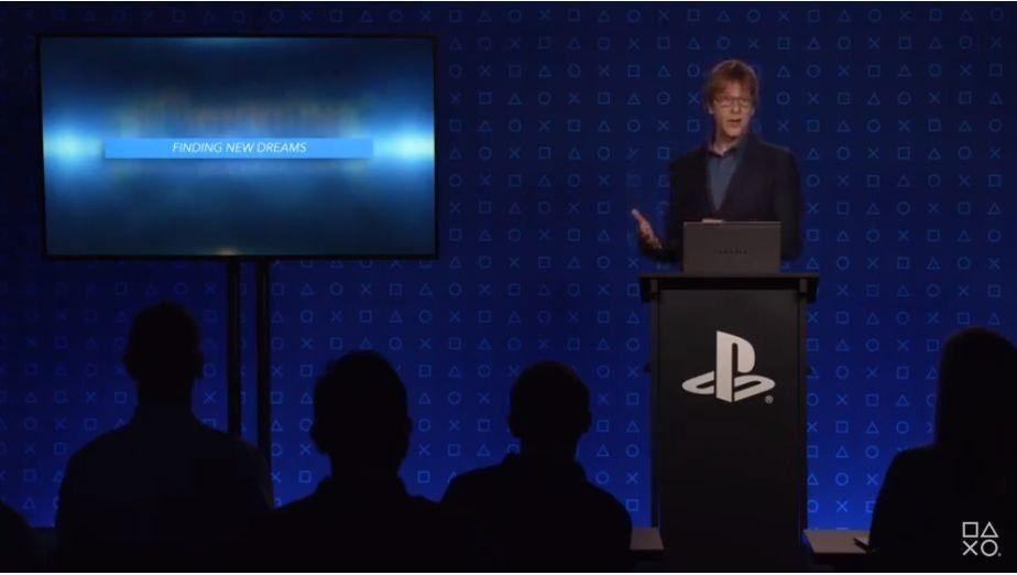 照片中提到了DAOX DAOXO AO、&0、OXGAOX AO XOAO XDAOX,跟的PlayStation有關,包含了Playstation應用、勵志演講者、公共關係、顯示裝置、Playstation應用
