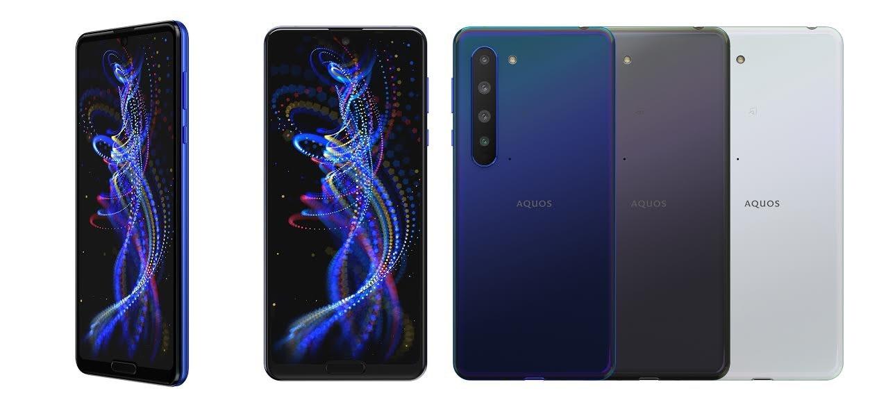照片中提到了AQUOS、AQUOS、AQUOS,包含了電藍、功能手機、手機、手機配件、移動設備