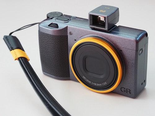 GR III 釋出 V1.41 韌體,新增長按觸控螢幕進行快拍功能
