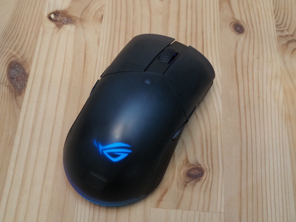 照片中跟特拉邦有關,包含了老鼠、電腦鼠標、輸入設備、產品設計、產品