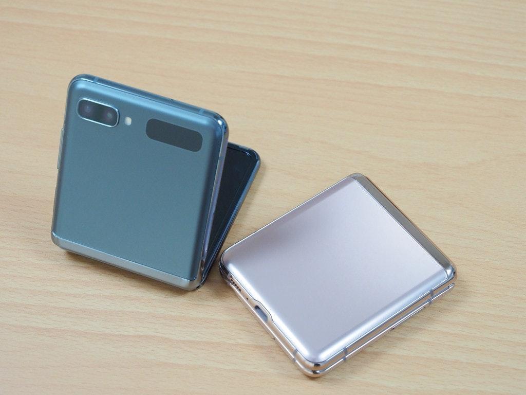 照片中包含了移动电话、移动电话、产品设计、产品、电子产品