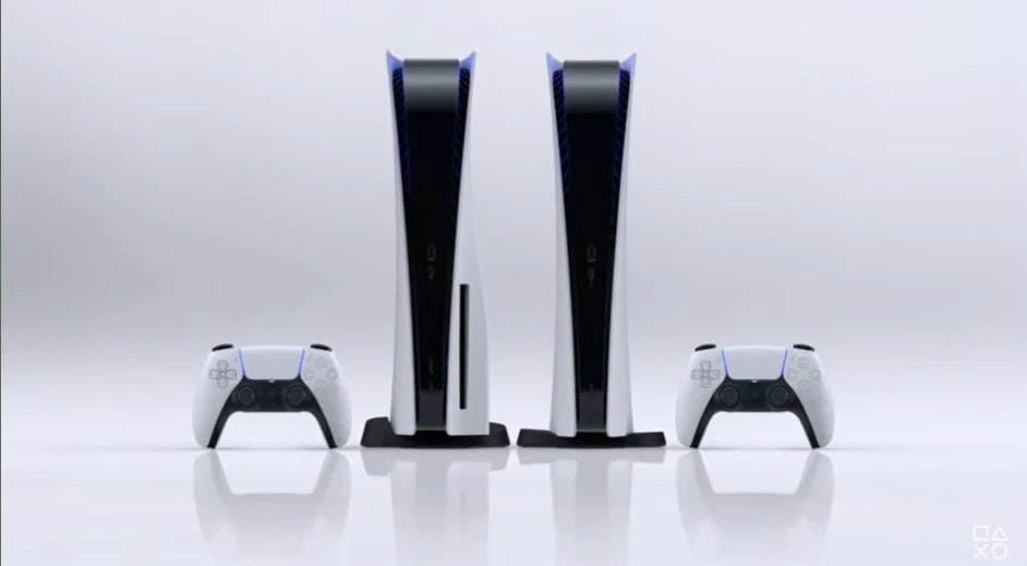 照片中包含了的PlayStation 5、的PlayStation 2、的PlayStation、的PlayStation 5、了索尼