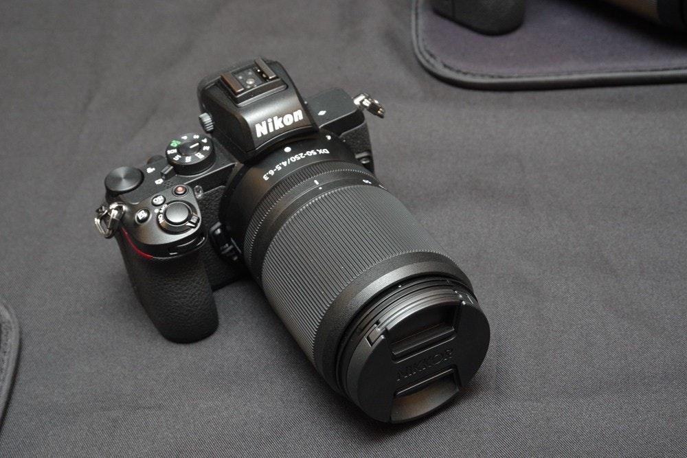 照片中提到了Nikon,跟尼康有關,包含了鏡頭、鏡頭、單反相機、單反相機、尼康Z卡口