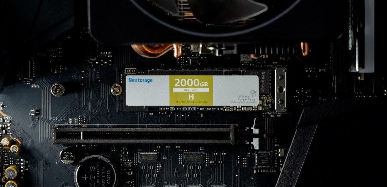 照片中提到了M2 1、Nextorage、2000GB,跟佐格斯有關,包含了蒙彼利埃大學、電腦硬件、中央處理器、電腦、電子產品