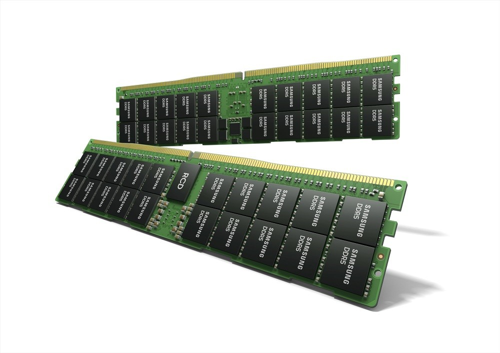 照片中提到了SAMSUNG、DDR5、SAMSUNG,包含了三星DDR5內存、DDR5 SDRAM、內存條、動態隨機存取存儲器、內存