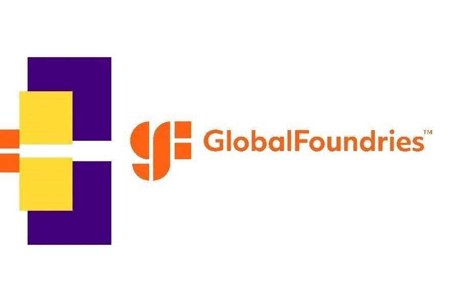 "照片中提到了(H GlobalFoundries""、TM,包含了橙子、商標、牌、產品、圖形"