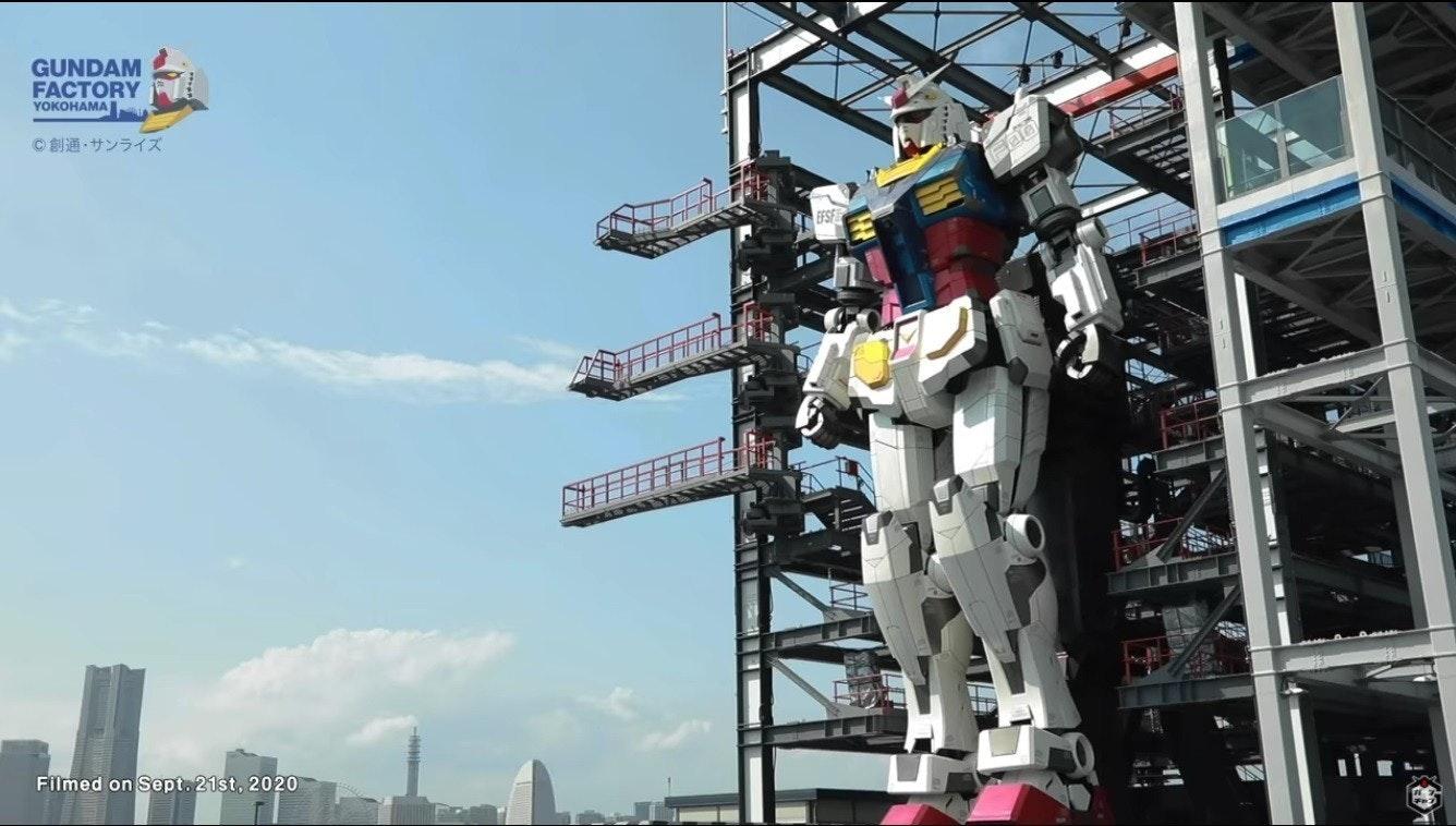 照片中提到了GUNDAM、FACTORY、YOKOHAMA,包含了youtube スクロール 再生、高達碼頭塔、高達工廠橫濱、的YouTube、高達