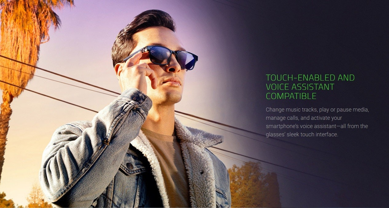 照片中提到了TOUCH-ENABLED AND、VOICE ASSISTANT、COMPATIBLE,包含了墨鏡、墨鏡、眼鏡、眼鏡、視覺感知