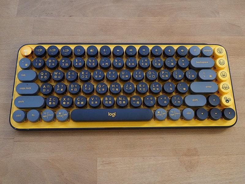 照片中提到了2、delete、F2,包含了計算機鍵盤、計算機鍵盤、空格鍵、辦公用品、電子產品