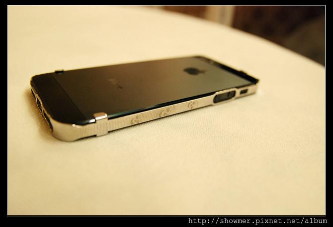 是輕薄的 iphone 5 保護框 ice! bumper這篇文章的首圖