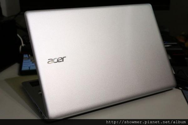 是Acer Swift 3 SF314-51-50FR 14 吋超值美型超輕薄文書機 拆背蓋小聊這篇文章的首圖