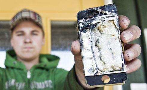是電池過熱?iPhone自燃實錄這篇文章的首圖