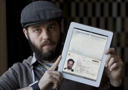 是加拿大男子拿 iPad 充當護照成功入境美國這篇文章的首圖