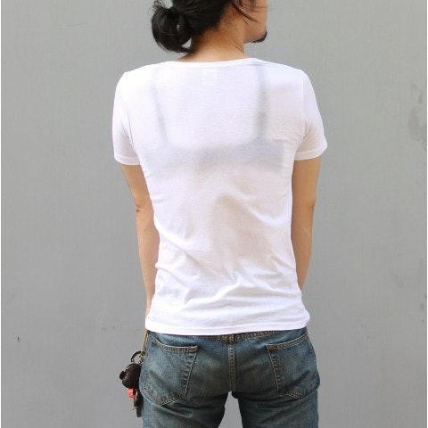 是男生也可以性感!內建吊橋的搞怪半透明 T-shirt這篇文章的首圖