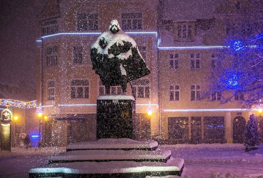 是波蘭小鎮韋伊海羅沃 Wejherowo 赫然出現黑武士雕像!?這篇文章的首圖