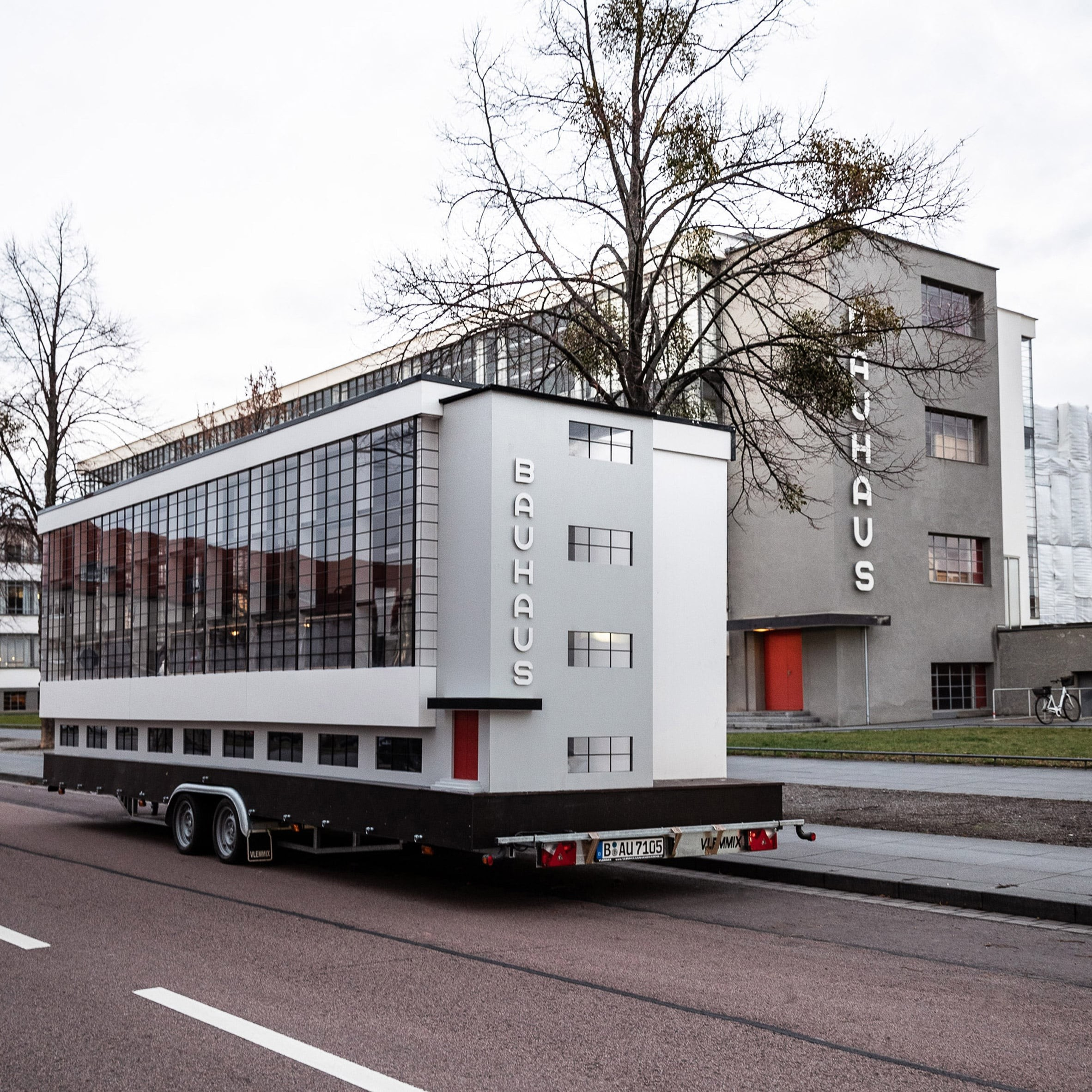 Bauhaus, Dessau, Bauhaus Archive, Design, Architect, Architecture, Bauhaus Dessau, From Bauhaus to Our House, Art, Modern art, bauhaus, Transport, Motor vehicle, Architecture, Mode of transport, Vehicle, House, Property, Tree, Car, Building