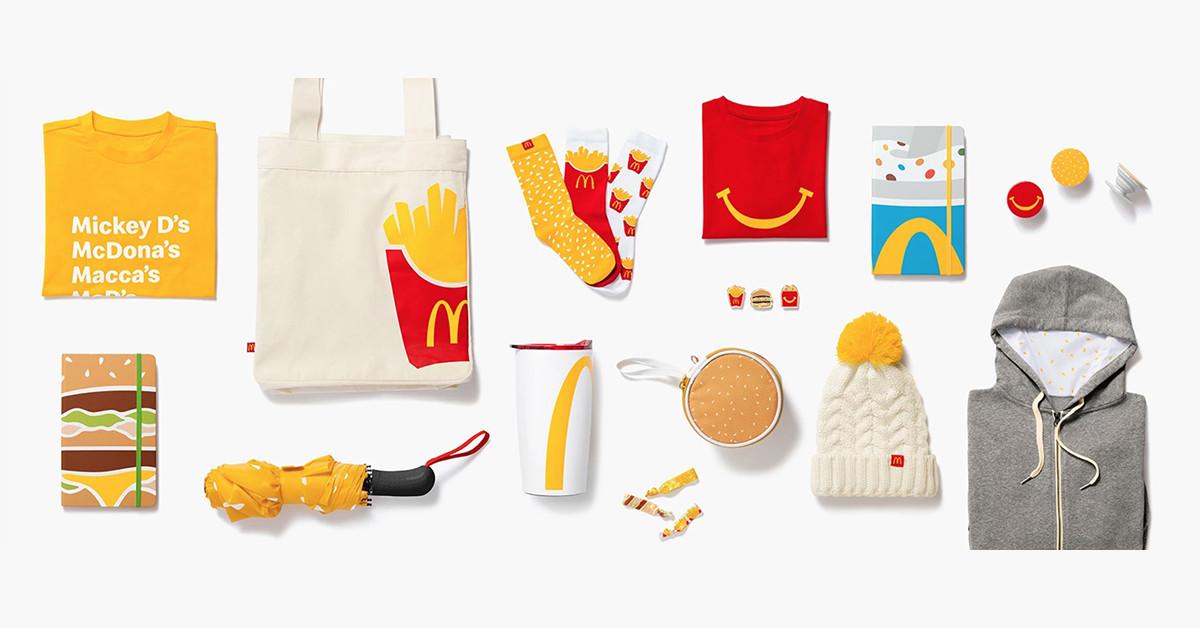 照片中提到了Mickey D's、McDona's、Macca's,包含了橙子、炸薯條、牌、手提袋、產品
