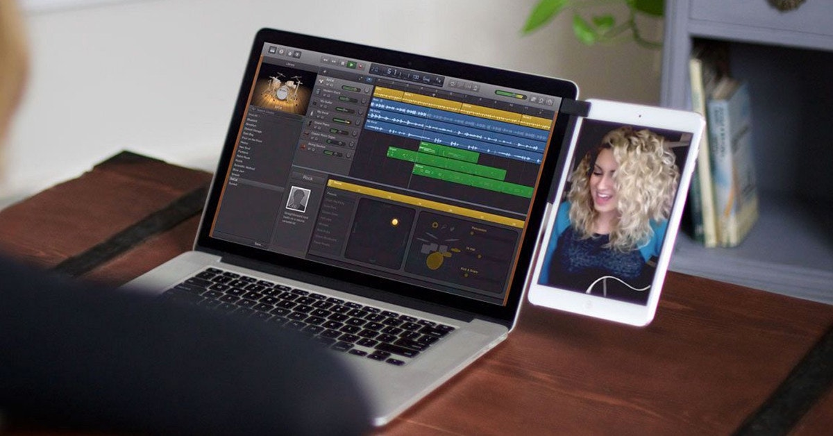 照片中包含了Macbook Mountie、上網本、Mountie by Ten One Design將您的智能手機或平板電腦安裝到筆記本電腦、MacBook Air、蘋果MacBook Pro