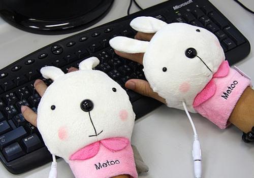 是今年冬天必備保暖物之一,USB暖呼呼手套!這篇文章的首圖