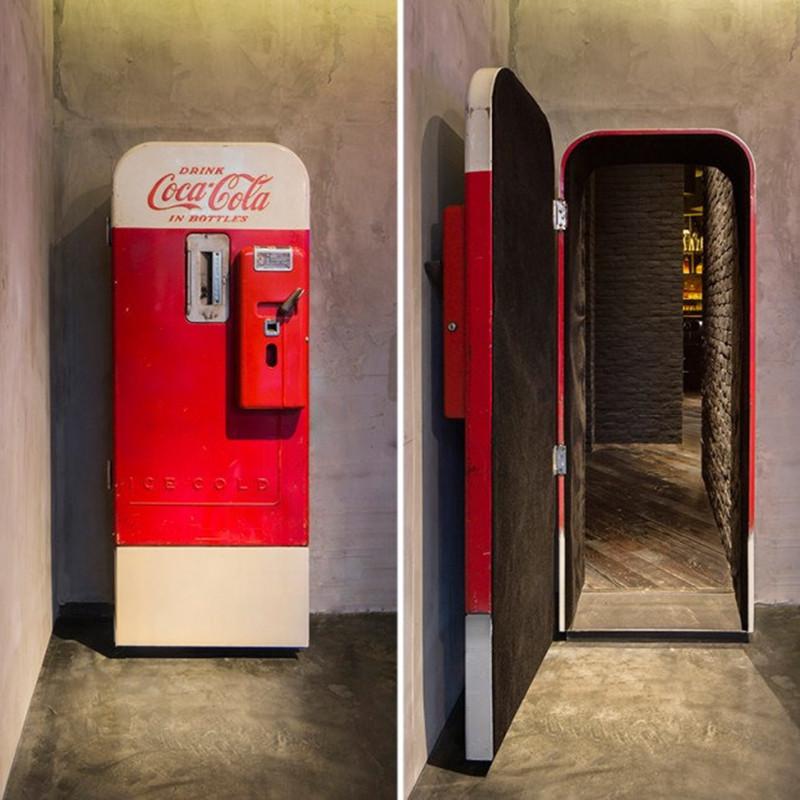 是Flask 秘密酒吧,進入神秘的可樂機世界!這篇文章的首圖
