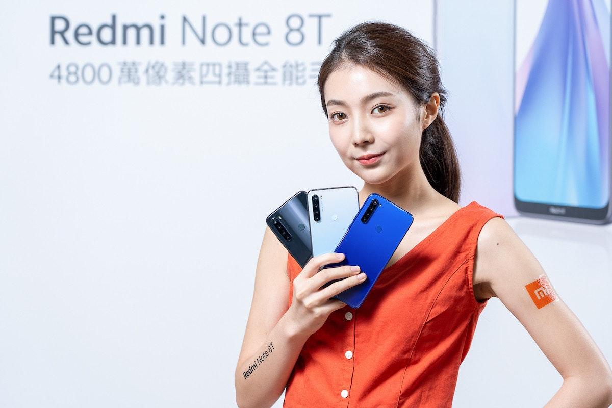 照片中提到了Redmi Note 8T,、4800萬像素四攝全能、Redmi Note 8T,包含了美女、音響器材、產品設計、產品、設計