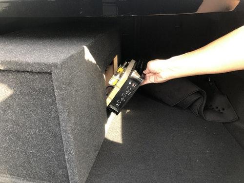 賓士音箱藏毒被警查獲 做工很細設計專屬遙控才能打開