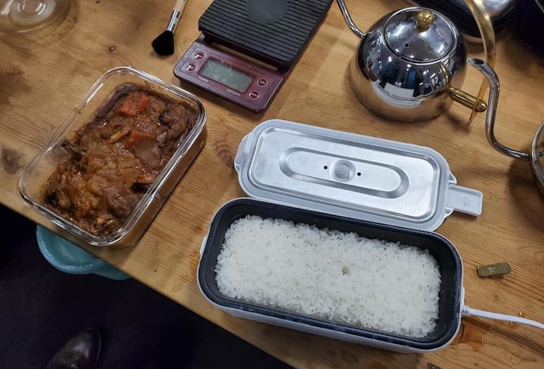 照片中包含了炊具和烤盤、烹飪、炊具和烤盤、舒適食品、成分