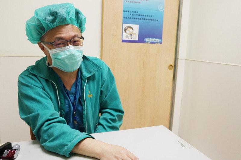 照片中提到了ANSRRACS、ANRSRBA、ARA RAT,包含了外科醫生的助手、診所、外科醫生、醫師、門諾派基督教醫院