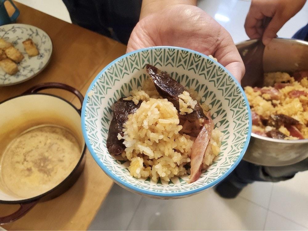 照片中包含了早餐、素食料理、早餐、小菜、碟