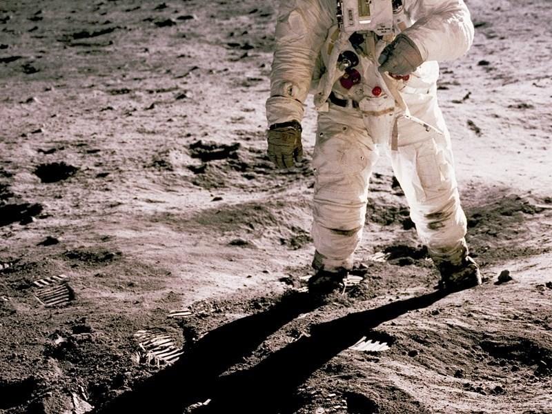 太空人登月證據:月球輻射200倍高 有罹癌和白內障風險