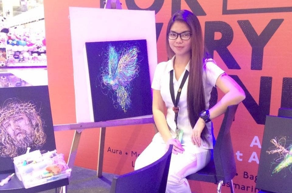 照片中提到了ERY、t A、Aura • M,包含了設計、繪畫、繪畫、藝術、畫畫