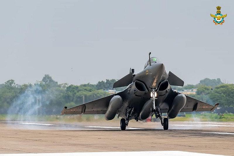 照片中包含了達索陣風、安巴拉空軍基地、飛機、未來戰鬥航空系統、達索航空