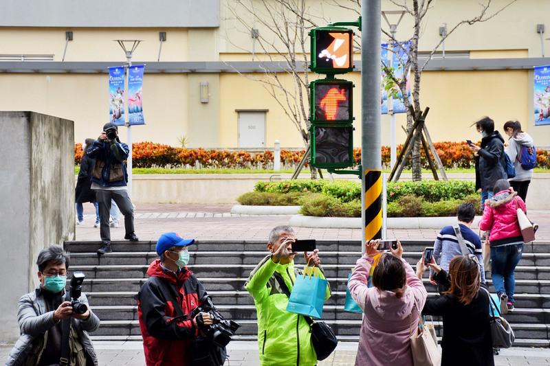 照片中提到了ब、s00,包含了街、中央通訊社、中國、樂天猴子、部長