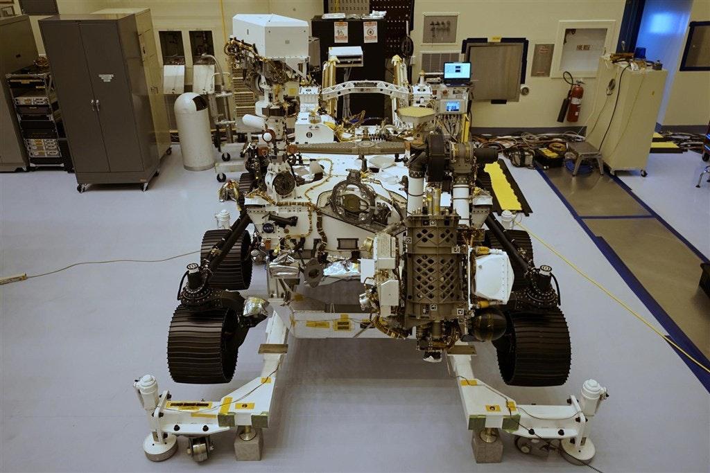 照片中提到了t ...、HEIS,包含了美國航空航天局的毅力、2020年火星、美國宇航局、毅力、火星