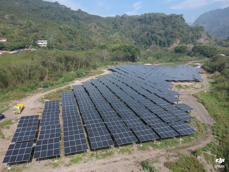 照片中提到了di、SPARK,包含了台灣電力公司、台灣、南韓、今日、台灣電力公司