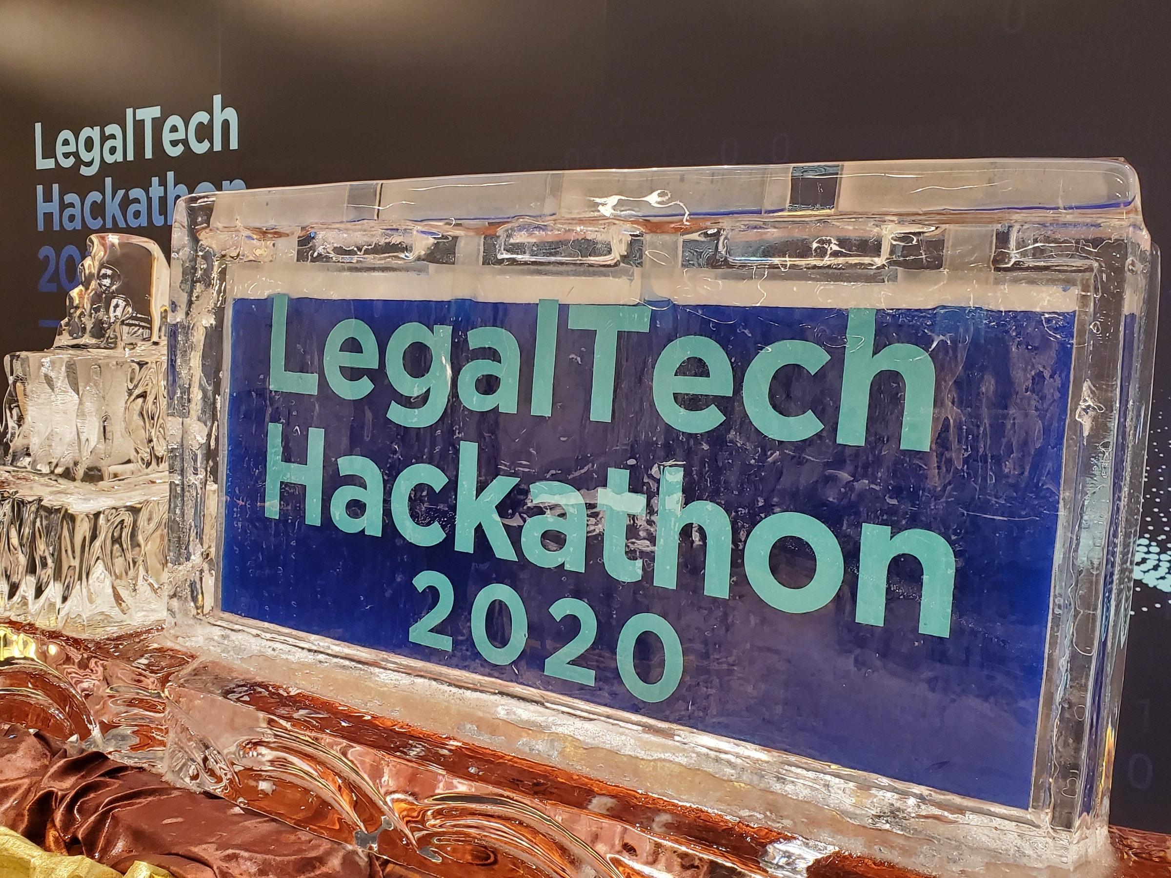 照片中提到了LegalTech、Hackathan、206,包含了字形、儀表