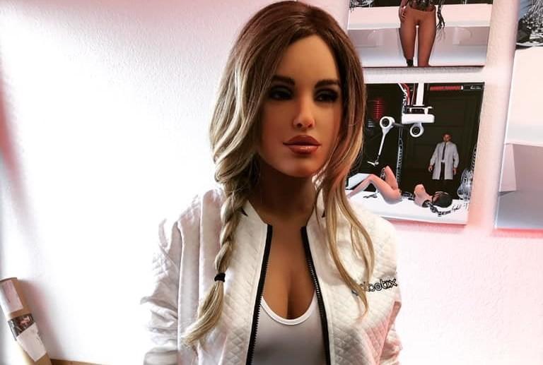 照片中提到了betx,包含了時裝模特、Dytto、主機模型、模型、染髮