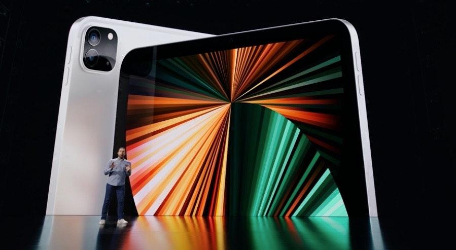 照片中包含了橙子、移動電話、手機、產品設計、電子產品