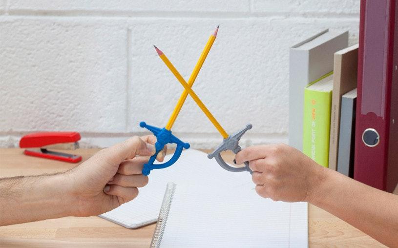 是男同學的小確幸,接上這個橡皮擦馬上就變成一把劍的產品這篇文章的首圖