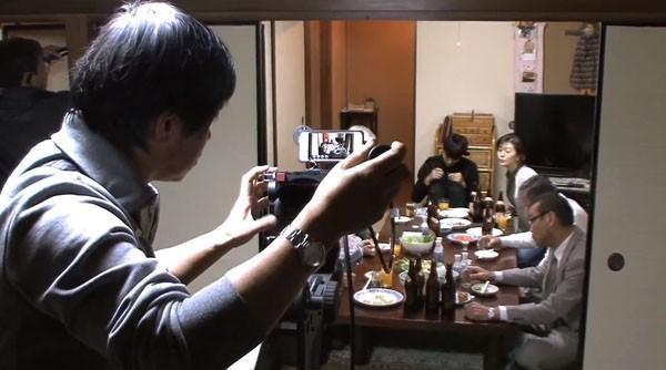 是日本藝能界首創以iPhone 5拍攝電視劇這篇文章的首圖