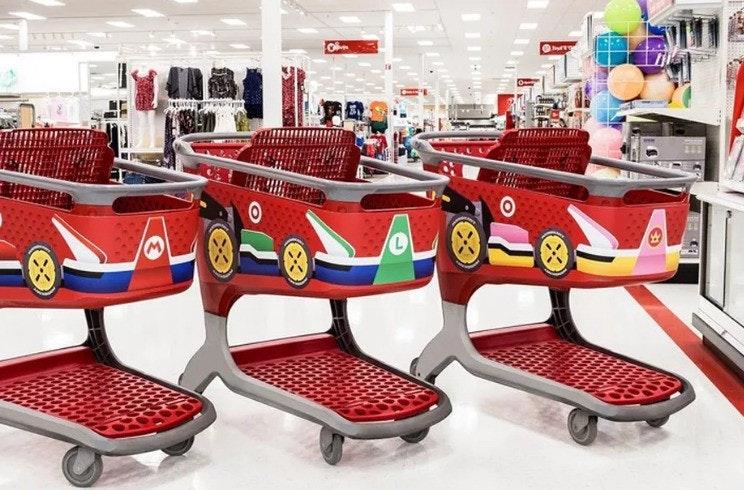 是把購物推車改裝成 Mario Kart 的超市這篇文章的首圖