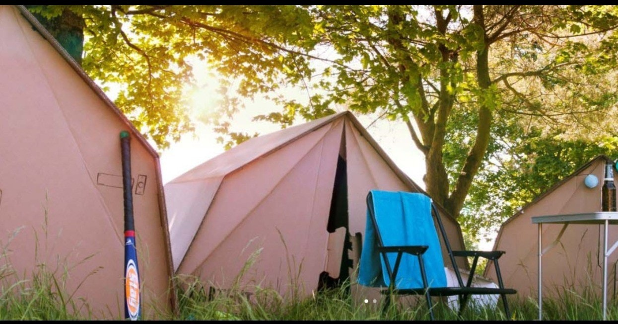 Tent, Camping, KarTent, MontgoRock Xàbia Festival 2018, cardboard, Hotel, Party, Xàbia, Apartment, Music festival, tent, tent, camping, backyard, shed, house, tree, leisure, recreation, yard, camp