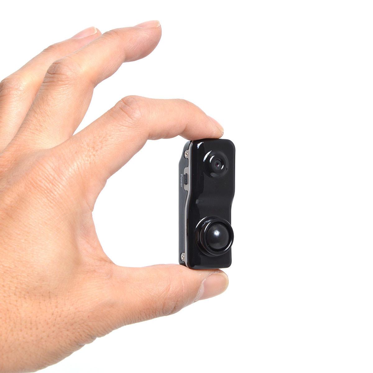 是電池般大小的錄影器材,能夠安裝在特定地方拍攝影片這篇文章的首圖
