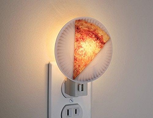 是意圖不明的披薩小夜燈這篇文章的首圖