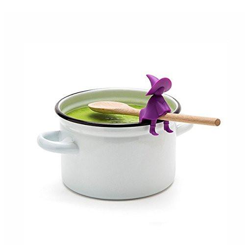 是紫色小巫婆讓湯勺變成飛天掃帚這篇文章的首圖