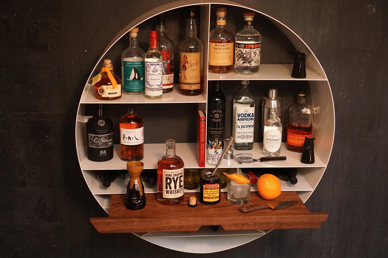 是家裡的壁掛式小酒吧這篇文章的首圖
