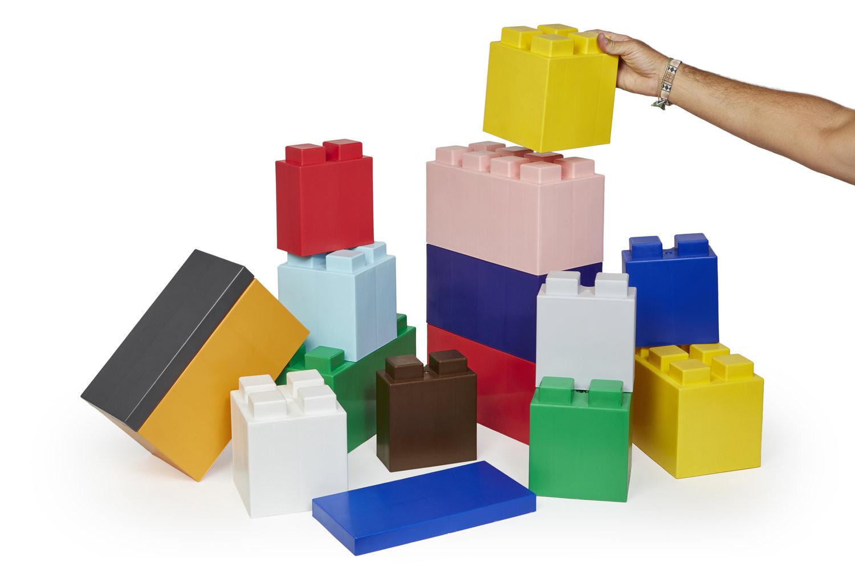是自己也可以做裝潢隔間傢俱的大積木磚這篇文章的首圖