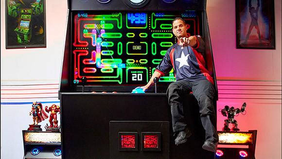就算是姚明來,也顯得渺小的大台電玩,並得到了金氏紀錄認證